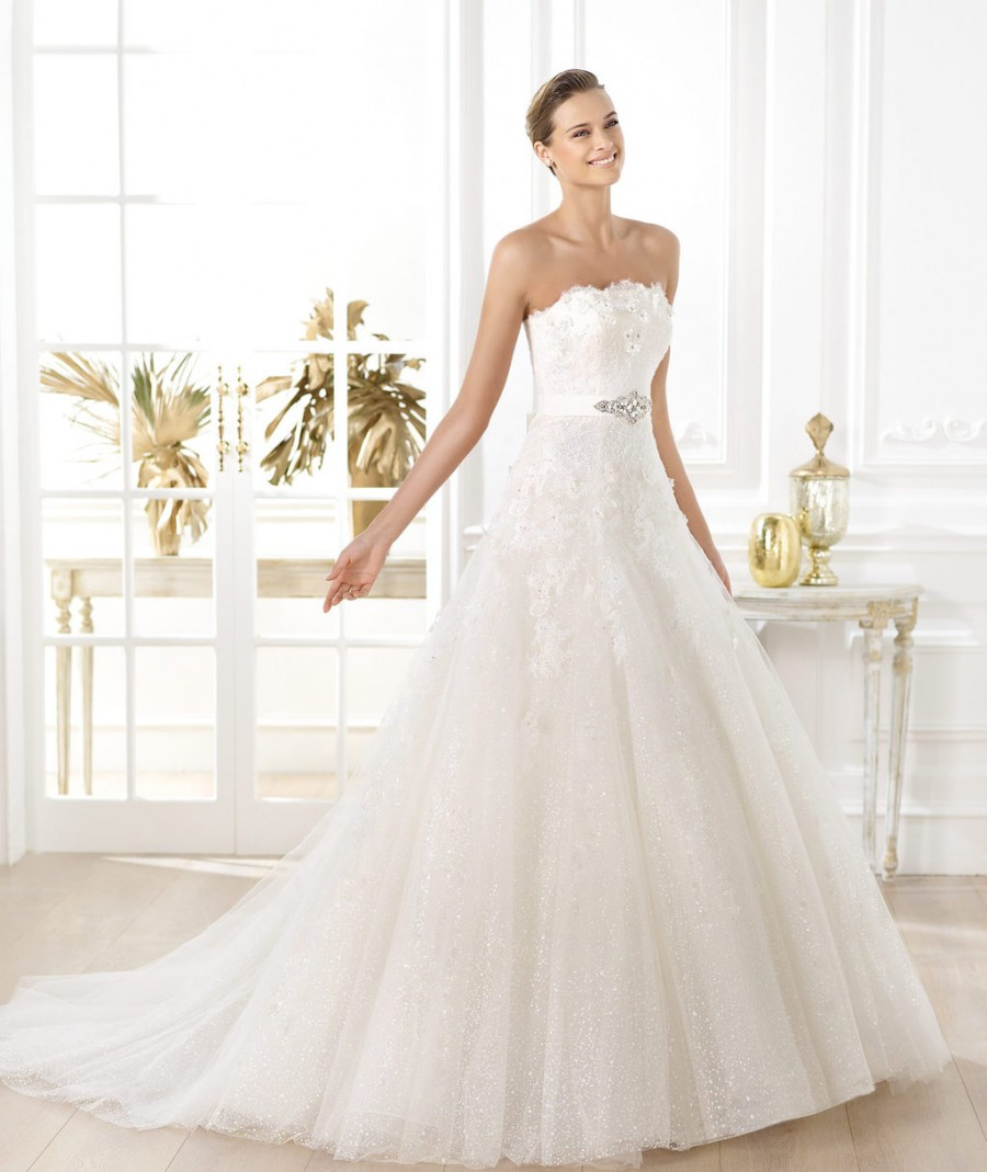pronovias-wedding-dress-pre-2014-glamour-bridal-collection-licera-full