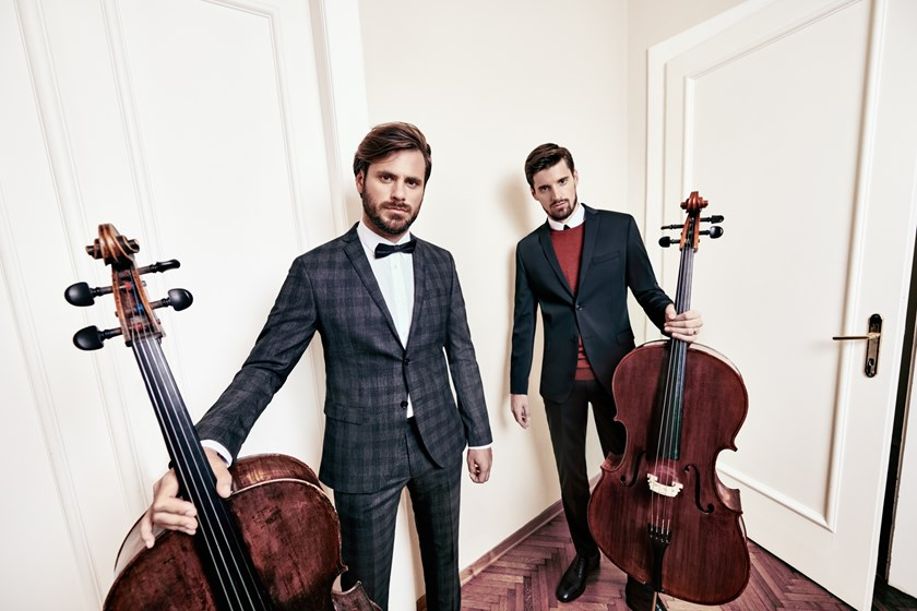 soliver-2cellos-christmas-campaign-3_840_472